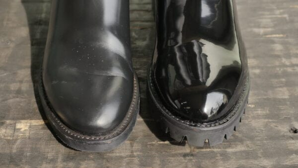 Difference in no shine v shined with leather luster